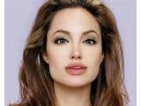 Поздравление с Днем рождения от Анджелины Джоли на русском